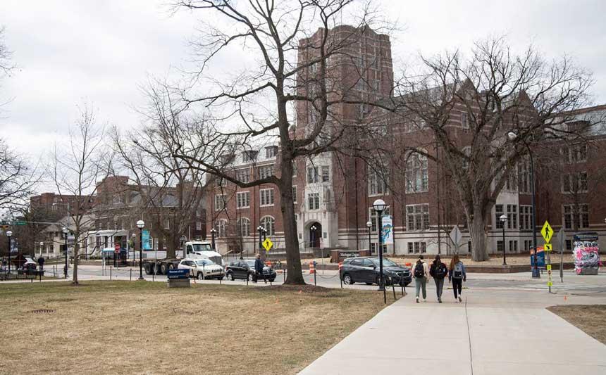 La Universidad de Michigan amplía su programa gratuito de matrícula
