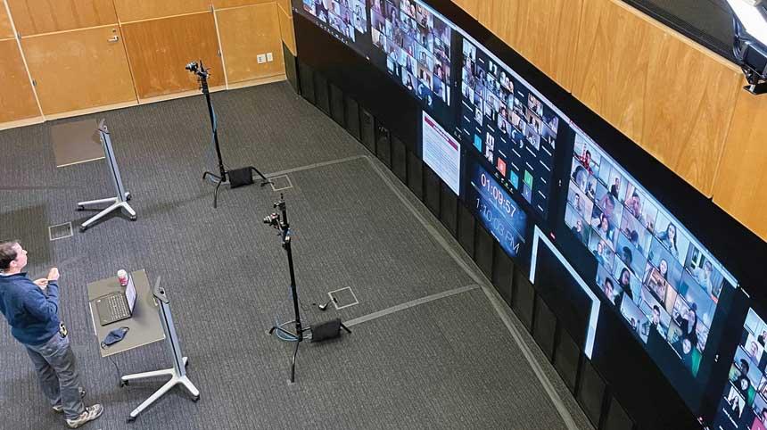 La Universidad de Stanford instala su videowall para 250 estudiantes en Zoom