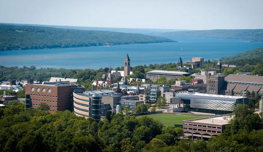 La Universidad de Cornell desafía la pandemia de COVID y se niega a enseñar en línea