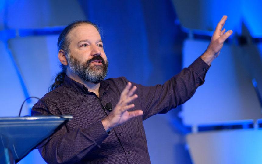 El analista Michael Feldstein sugiere que el MIT y Harvard otorguen una fundación para administrar el software Open edX